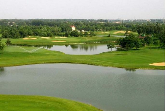 湖北武汉天外天高尔夫球场